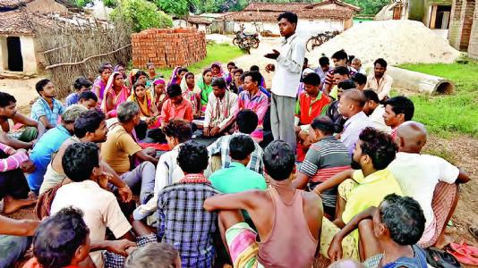 પ્રેરણા: શરાબબંધી, કુહાડીબંધી થકી ગામની શિકલ બદલતા યુવાનો