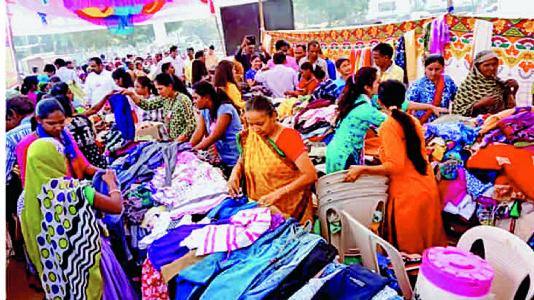 વડોદરામાં જૈન કાર્યકરોએ શરૂ કરી... પુણ્યની દુકાન