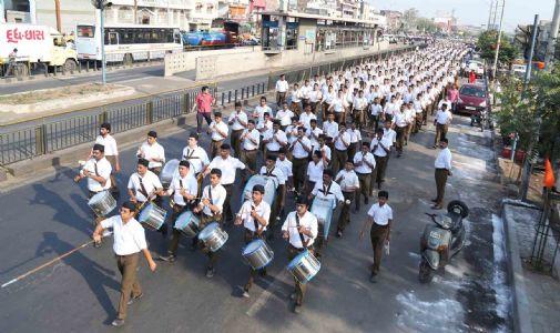 અમદાવાદ શહેરમાં રાષ્ટ્રીય સ્વયંસેવક સંઘ દ્વારા યોજાયું વિશાળ પથસંચલન